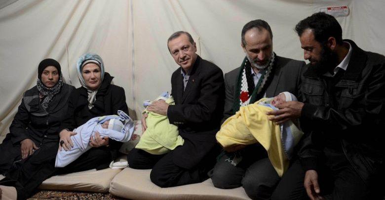 أردوغان مع اللاجئين السوريين